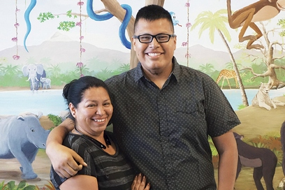 Melvin Florencio and mother, Ofelia, in the UC Davis Comprehensive Cancer Center's pediatric infusion center.