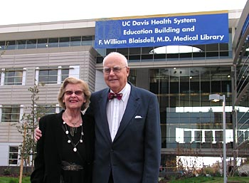 Dr. Blaisdell and wife at Education Building opening in 2006. ©2009 UC Regents