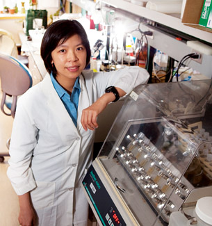 Researcher Ling-Yu Wang in her lab © UC Regents