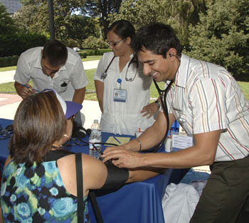 Medical students perform health screenings © UC Regents
