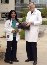 Medical student Mamta Parikh and Dr. McCloud © UC Regents