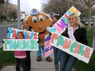 Drive thru pancake sale © Children's Miracle Network