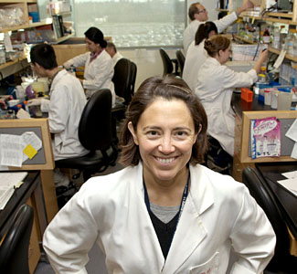 Elva Diaz and her lab team