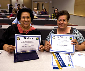 Spanish Mini Medical School graduates © 2010 UC Regents