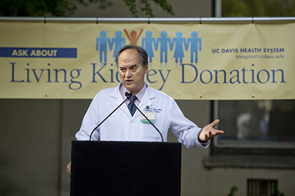 Richard Perez, chief of the UC Davis Transplant Program, said there were 384 people involved in making the four-way donor exchange possible.