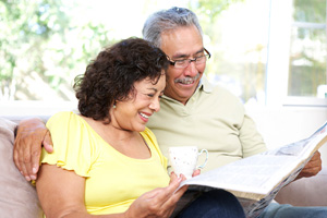 Latino senior couple © iStockphoto