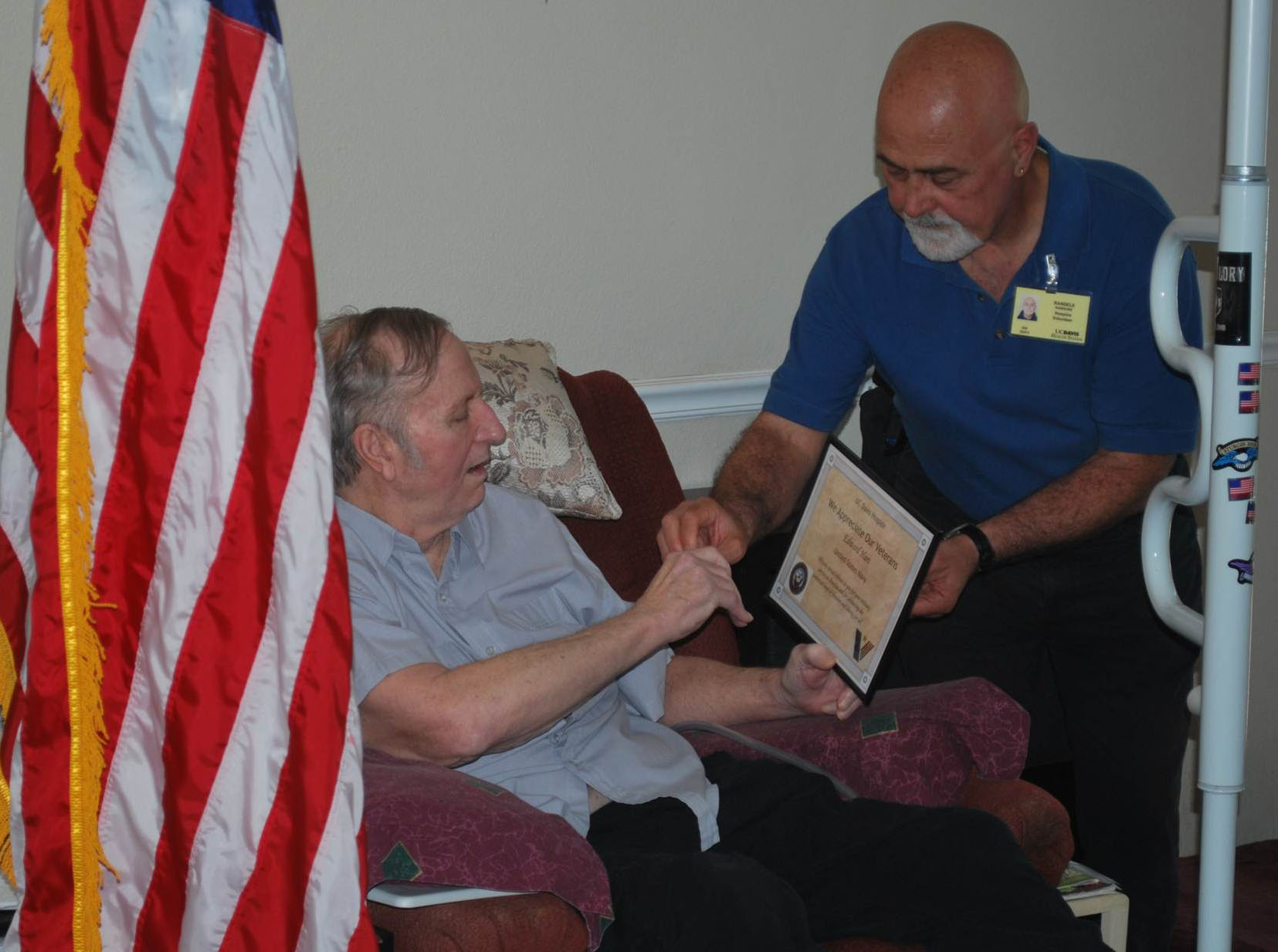 Hospice volunteer with veteran