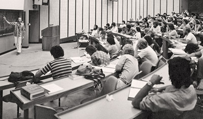 School of Medicine classroom, 1970s