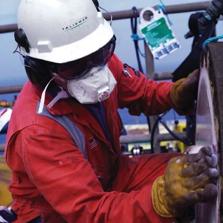 oil rig worker in hard hat