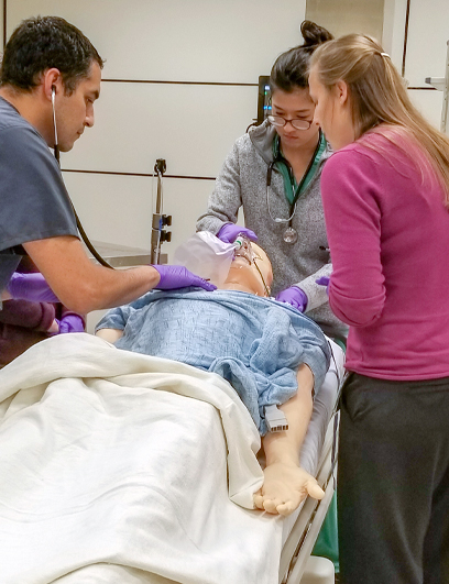 Students in simulated hospital. (C) UC Davis Health. All rights reserved.
