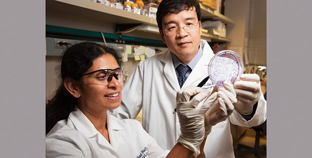 Photograph of Allan Gao and fellow researcher © UC Regents