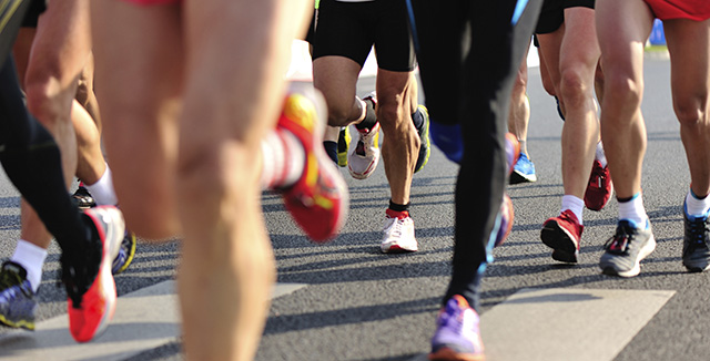 Photograph of runners © iStockphoto