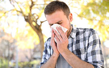 Sneezing and runny nose are common symptoms of seasonal allergies
